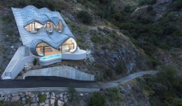 house-in-cliff-spain-3